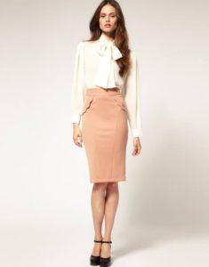 белая блузка и юбка